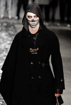 Male skeleton/day of the dead costume makeup