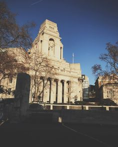 London was looking gorgeous today!! One of my favourite times of year to be in the city!