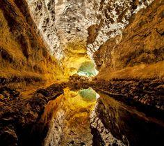 ロスベルデス島の洞窟/スペイン Size : 960x854 Credit : Luc Viatour [自然のスマホ壁紙]http://matome.naver.jp/mymatome/digitama