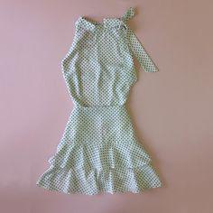 ✨🅒🅞🅝🅙🅤🅝🅣🅞 ✨. O Look lindo e elegante para inspirar! Que tal?  #blusa #blouse #blusinha #estampa #poá  Ref. Blusa Bia.  #saia #skirt #forro #short  Ref. Saia Hera.