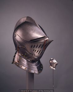 Close helmet. English, about 1580. Wow. This is a beautiful helmet.