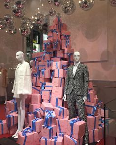 "JOYCE CENTRAL,Hong Kong, China, ""I often buy myself presents George.......WHY?"", pinned by Ton van der Veer"
