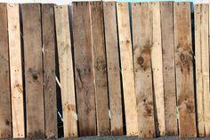 Tutorial on pallet-wood ceiling: