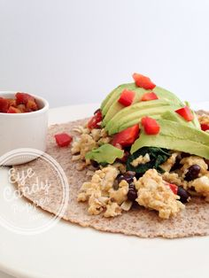 Kick off your #MeatlessMonday with this #vegetarian Breakfast Burrito from @eyecandypopper!
