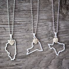 50 U.S. States Outline Pendant Necklaces! | Find your state at www.groopdealz.com