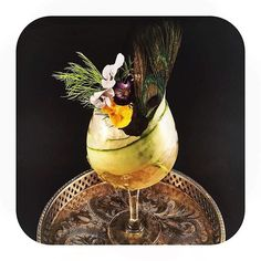 The Botanist Floral Spritz: gin, dry vermouth, lemon and angostura