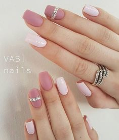 Imagen de jewelry, manicure, and pedicure