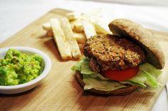 Veganské burgery s hranolkami - FitFoodManic