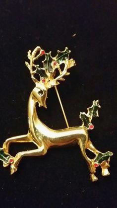 Vintage Reindeer holly brooch
