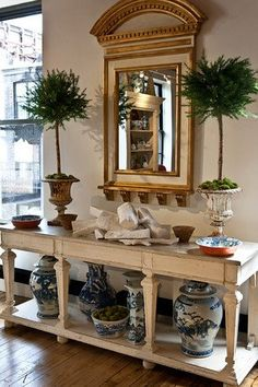 Topiaries, mirror....