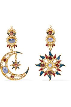 Post and clasp fastening for pierced ears Seed pearls: India Limited pieces available Made in Italy