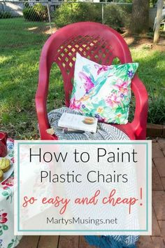 Don't throw away that UGLY outdoor furniture! This easy DIY that ANYONE can do shows how to spray paint plastic chairs without spending a lot of money or time! Chair makeover How to Spray Paint Plastic Chairs: An Easy Makeover! Outdoor Plastic Chairs, Plastic Garden Chairs, Plastic Garden Furniture, Painted Outdoor Furniture, Outdoor Garden Furniture, Spray Paint Plastic, Diy Spray Paint, Spray Painting, Painting Tips