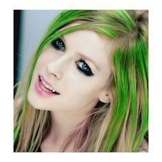 An image of Avril Lavigne ❤ liked on Polyvore featuring hair, people, avril lavigne, avril and celebrities