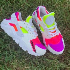 Custom Rainbow Neon Nike Huaraches (Purple Pink Orange and Yellow) Neon Nike Shoes, Neon Sneakers, Nike Shoes Huarache, Huaraches Shoes, Cute Nike Shoes, Nike Shoes Air Force, Nike Neon, Cute Sneakers, Nike Shoes Outlet