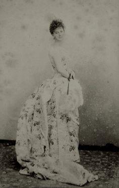 """Faded beauty"" Elisabeth, Countess of Greffuhle. Late 1880s."