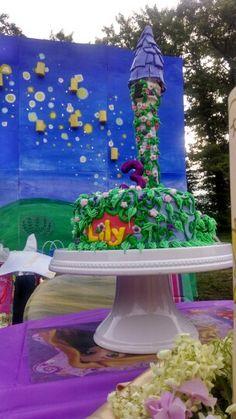 Tangled cake and mural
