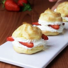 These wonderful little strawberry cream puffs are a wonderful treat in the . - These wonderful little strawberry cream puffs are a wonderful treat in spring – sweet and fruity! Easy Cake Recipes, Sweet Recipes, Dessert Recipes, Delicious Desserts, Yummy Food, Chocolate Cake Recipe Easy, Love Food, Bakery, Sweet Treats