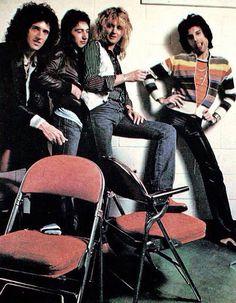Brian May, John Deacon, Roger Taylor, Freddie Mercury