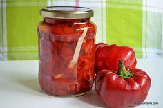 Gogosari in otet la rece fara fierbere Savori Urbane (3) Canning Pickles, Deli Food, Romanian Food, Romanian Recipes, Pickling Cucumbers, Canning Recipes, Kefir, Raw Vegan, Ketchup
