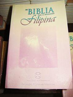 Tagalog Women's Bible Catholic Edition / Ang Biblia Para Sa Makabagong Filipina May Deuterocanonico Tagalog, What Is Bible, All Languages, Books, Prints, Bible, Libros, Book, Book Illustrations