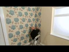 Starting to think about redecorating? Take a look at this guide to wallpaper hanging from How To Hang Wallpaper, Wall Wallpaper, Blue Bedspread, Full Body Hiit Workout, Diy Videos, Home Renovation, House Ideas, Band, Bathroom