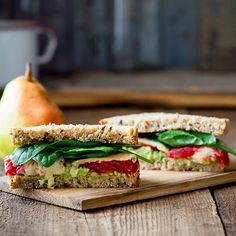 Trying to slim down? Make one of these healthy lunch recipes featuring foods (eggs avocados peanuts chickpeas artichokes and green tea) that can help you lose weight. Cheese Sandwich Recipes, Lunch Recipes, Healthy Dinner Recipes, Healthy Snacks, Vegan Recipes, Healthy Eating, Lunch Foods, Soup Recipes, Lunch Sandwiches
