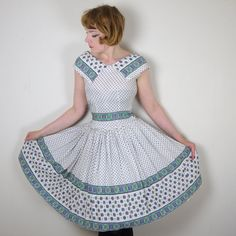 50s rustic pattern day dress with large collar and full skirt vintage 1950s rockabilly swing Mid Century xs uk6-8