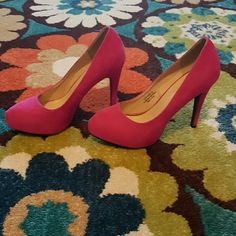 Hot Pink Suede Platform Toe Pumps Super comfy and cute with a 4.5 inch heel, in very good condition minus the one small scuffs on the toe of the left shoe (show in pic 3)  Please feel free to ask questions!!  *** I really need everything cleared out soon so I am now accepting all reasonable offers :) Shoe Dazzle Shoes Heels