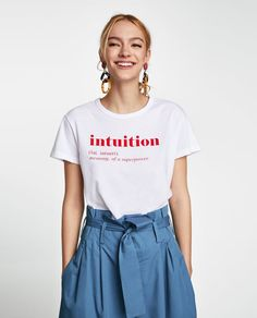 Printed t-shirt // Zara Zara Outfit, Graphic Shirts, Printed Shirts, Buy T Shirts Online, Geile T-shirts, Aesthetic Shirts, Slogan Tshirt, T Shirt Designs, Tee Design