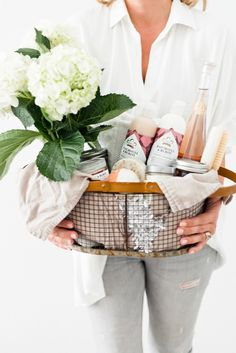How to Create The Ultimate Pampering Mothers Day Gift Basket How to Create The Ultimate Pampering Mother's Day Gift Basket with gift basket ideas, shopping li Mothers Day Baskets, Mother's Day Gift Baskets, Mothers Day Crafts For Kids, Gift Hampers, Gift Basket Ideas, New Mom Gift Basket, Raffle Baskets, Diy Gifts For Mom, Perfect Gift For Mom