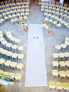 No need to keep seating straight and boring during the wedding ceremony! We love that couples are getting creative with the way they set up for the walk down the aisle. Check out some of the unique arrangements we found.