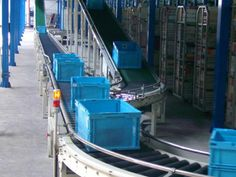 ZM Automation incline or decline belt conveyors are available with big conveying capacity, simple Plastic belt conveyor structure,unique design and competitive price throughout the world! http://www.zm-automation.com/incline-decline-belt-conveyor/
