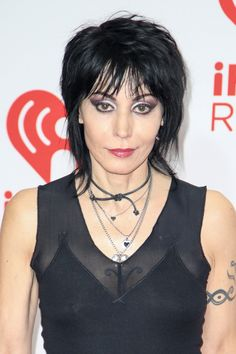 Today (Monday) we celebrate rockstar Joan Jett's birthday! As her time in The Runaways and her solo career show, she's always been into leather, hea. Joan Jett, Jet Hair, Beatles, Lita Ford, Music Pics, Undercut Hairstyles, Layered Haircuts, My Idol, Hair Clips