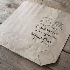 Pack de 5 bolsas kraft Hacemos un gran equipo. Diseño de Mr.Wonderful. A la venta en: http://www.mrwonderfulshop.es