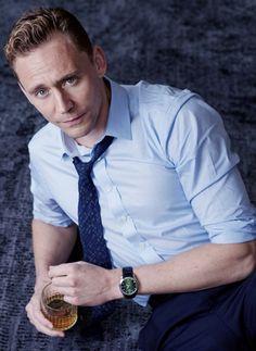 Tom Hiddleston by Charlie Gray. Source: Torrilla. Original photo: http://ww4.sinaimg.cn/large/6e14d388gw1f9iq494odqj20y616ix6p.jpg