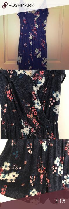 Hollister Summer ☀️ Romper Just in time for summer, cute comfy romper with adjustable spaghetti straps. Navy floral print. This is a re-posh, but for self but was a little too small! Super bummed! Like New condition 💙💙💙💙Size Med Hollister Shorts