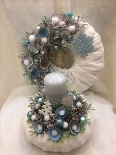 I love the candle holder! Christmas Arts And Crafts, Homemade Christmas Decorations, Holiday Crafts, Holiday Decor, Winter Christmas, Christmas Time, Christmas Wreaths, Xmas, Christmas Ornaments