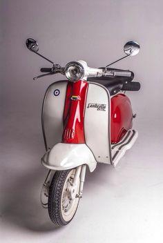 On a Scooter Vintage Vespa, Vintage Bikes, Ducati, Lambretta Scooter, Scooter Motorcycle, Scooter Scooter, Triumph Motorcycles, Custom Motorcycles, Retro Roller