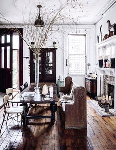 wood, rustic, mismatched chairs, distressed, pew, seating, dining room, farmers table