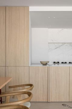 Elegance and Simplicity in a Minimal Home   ilaria fatone - Elegance and Simplicity in a Minimal Home - kitchen #kuche