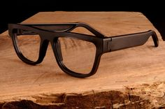 EXOvault Kingsland eyeglass frames from solid aluminium l Ray Ban Sunglasses Sale, Sunglasses Outlet, Sunglasses Online, Sunglasses 2016, Wooden Sunglasses, Luxury Sunglasses, Mens Glasses, Hipster Glasses, Glasses Frames
