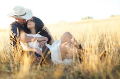 Engagement Photos: Country Lovin'