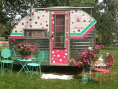 Who's up for a little Halloween Glamping? glamping and I especially love all the fun glamour campers people are redoing a. Vintage Campers Trailers, Retro Campers, Vintage Caravans, Camper Trailers, Rv Campers, Boler Trailer, Tiny Trailers, Semi Trailer, Cool Campers