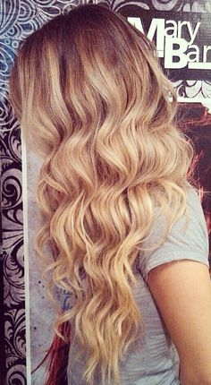 This is a cute everyday hair style that anyone can rock, thin or thick hair, blonde or brunette
