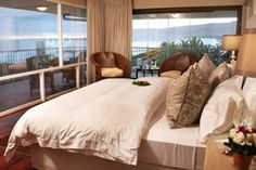 Hermanus Beach Villa offer luxurious seafront rooms and suites with quality linen, fully integrated entertainment systems and any other facilities to make your stay an unforgettable one!