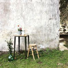 Mesa alta de la serie SCAF y taburete recuperado para una terraza con encanto  #polonium209 #corner #countrydeco #scaf #indiedeco #industrial #industrialdeco #decor #outdoors #grancanaria #hechoamedida #mueblesrecuperados #mueblesindustriales #exteriores #interiordesign #interiorismo #inspiration #canarias