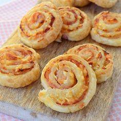 bladerdeeg, roomkaas, bacon geraspte kaas Laura's Bakery, link in profiel! #baconcreamcheese #puffpastry