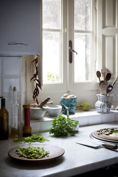 LOVE the little ledge under the window. Great way to keep things close without taking up precious counter space.