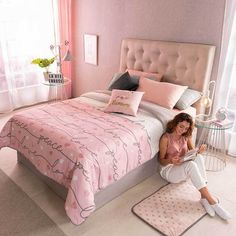 Shop Vianney Home Decor for all the best Pink Bedding Sets. The Peace and love comforter gives stability to your room, adds color and texture, combine it with peace or heart shape elements. Pink Bedrooms, Teen Girl Bedrooms, Home Decor Bedroom, Diy Room Decor, Bedroom Ideas, Diy Bedroom, Bedroom Shelves, Bedroom Inspo, Bedroom Designs