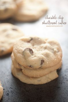 This chocolate chip shortbread cookies recipe is a new family favorite. Traditional shortbread can only be improved with a little chocolate! Cookie Desserts, Cookie Recipes, Dessert Recipes, Cookie Cups, Baking Desserts, Cupcake Recipes, Easy Desserts, Kitchen Aid Recipes, Oven Recipes